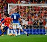 إيطاليا تسعى لمصالحة جماهيرها بعد هزيمة إسبانيا القاسية في تصفيات المونديال