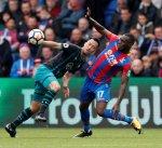 كريستال بالاس يواصل نتائجه المخيبة ويسقط أمام ساوثهامبتون في الدوري الإنكليزي
