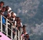 إسبانيا تنقذ 55 مهاجراً في المتوسط