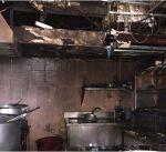 اصابة وافد بحريق مطعم في المباركية