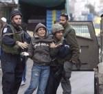 سلطات الاحتلال الإسرائيلي تواصل اعتقال 300 طفل فلسطيني