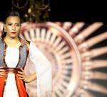 أزياء غير مألوفة لمصممين فلسطينيين من مواد أعيد تدويرها