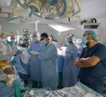 فريق طبي كويتي يجري للمرة الأولى عمليات دقيقة في القلب باستخدام الروبوت