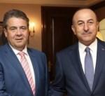 جابريل وأوغلو يبحثان سبل تحسين العلاقات بين ألمانيا وتركيا