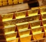 محللون: الذهب قد يكسر حاجز الـ1500 دولار هذا العام