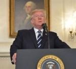 ترامب يلقي خطاباً ويأمر بتنكيس الأعلام بعد إطلاق النار في فلوريدا
