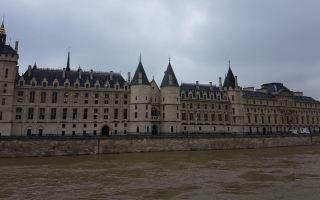 """""""كونسيرجيري"""" ..قصر فرنسي تحول الى محكمة وسجن اعدم فيه 2780 شخصا"""