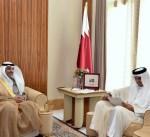 مبعوث سمو الأمير يسلم رسالة خطية الى أمير قطر