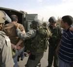 اعتقال اثنين من أقرباء منفذ عملية الدهس في الضفة