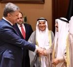سمو الأمير ورئيس جمهورية أوكرانيا يتبادلان الأوسمة