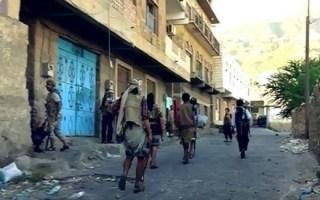 اليمن: الشرعية والتحالف العربي يشنان حملة على الإرهاب بعد مقتل موظف الصليب الأحمر