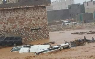 سقطرى منطقة منكوبة.. الإعصار خلف 17 مفقوداً