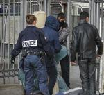 الإقامة الدائمة بدلاً من الترحيل لتونسي أنقذ طفلين في فرنسا