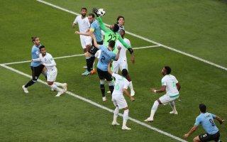 السعودية ومصر يودعان المونديال وأورغواي وروسيا يتأهلان لثمن النهائي