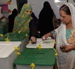 إغلاق مراكز الاقتراع في انتخابات باكستان