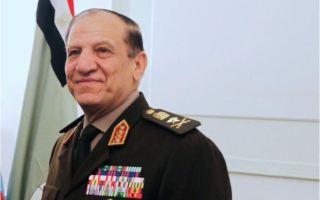 """رئيس الأركان المصري السابق عنان في حالة """"حرجة"""" بالمستشفى"""