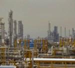 إيران تبدأ بيع النفط الخام لشركات خاصة لمواجهة العقوبات الأمريكية