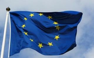 الاتحاد الأوروبي يدرج 11 رجل أعمال سوريا إلى قائمة العقوبات