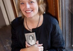 Sherri VandenAkker '87
