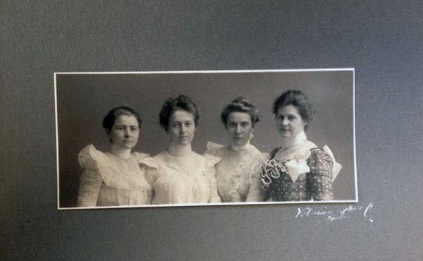 Members of the Class of 1900