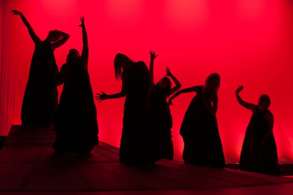 Audience raves for The Trojan Women The Alumnae