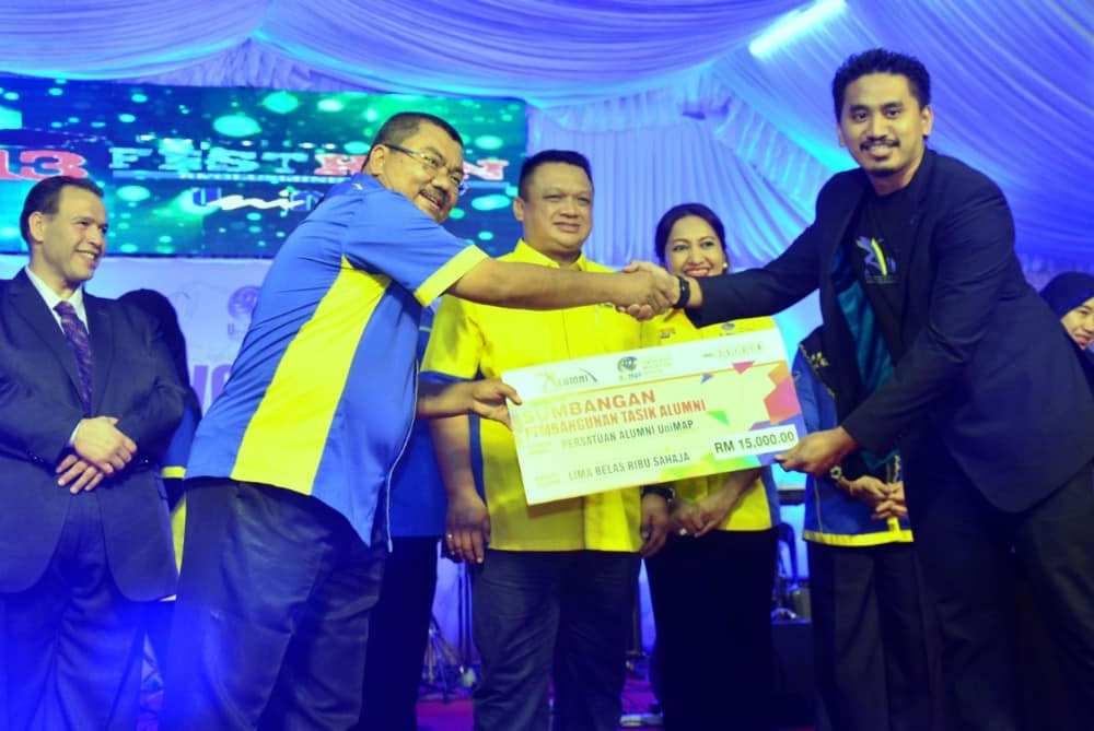 sumbangan kepada persatuan alumni unimap
