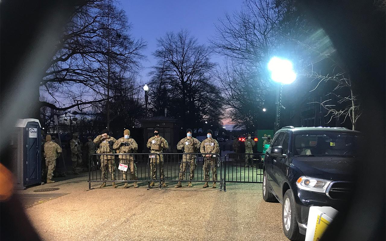 Militars protegint la investidura de Biden a Washington D.C.