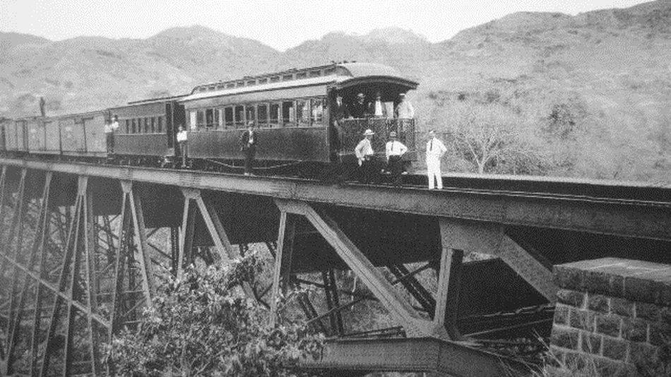 Resultado de imagen para construccion ferrocarril costa rica