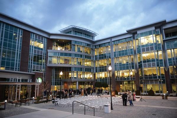 UTC Library Opens | Tennessee Alumnus Magazine
