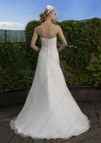 Wedding dresses for vow renewals: Pictures ideas, Guide to ...