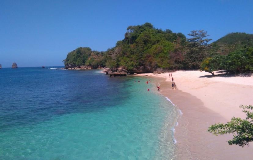 Keindahan Tempat WIsata Pantai di Malang