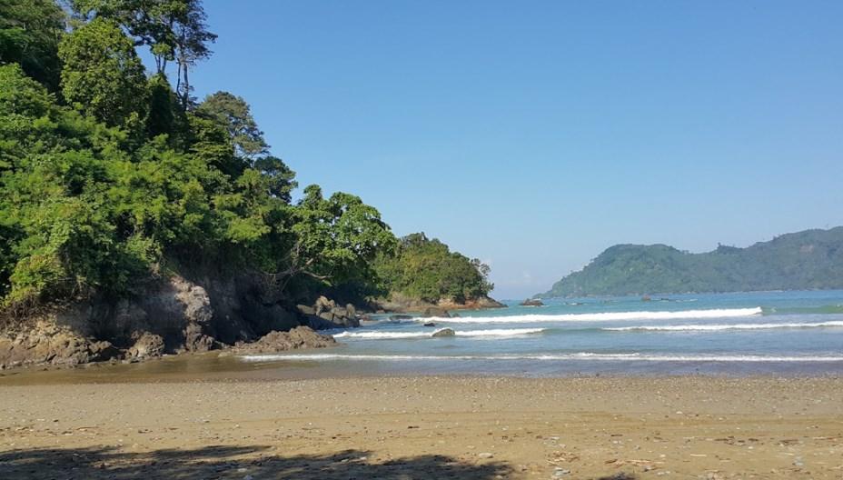 Pesona Pantai Lenggosono Sebagai Tempat Wisata di Malang