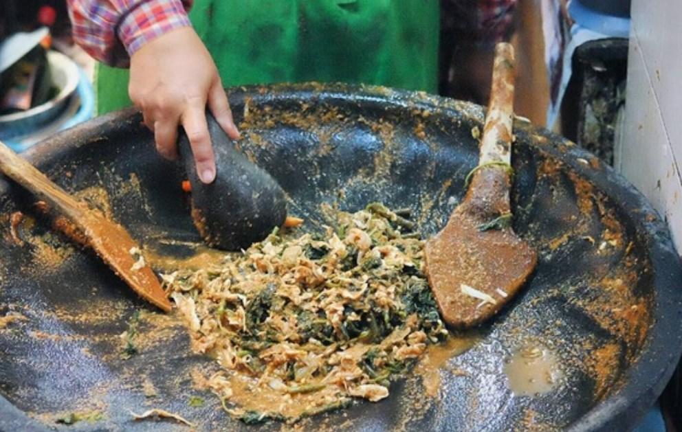 Makanan Berkuah Enak di Jogja Lotek Teteg
