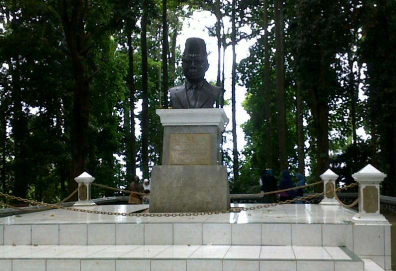 Monumen Ir.H Djuanda