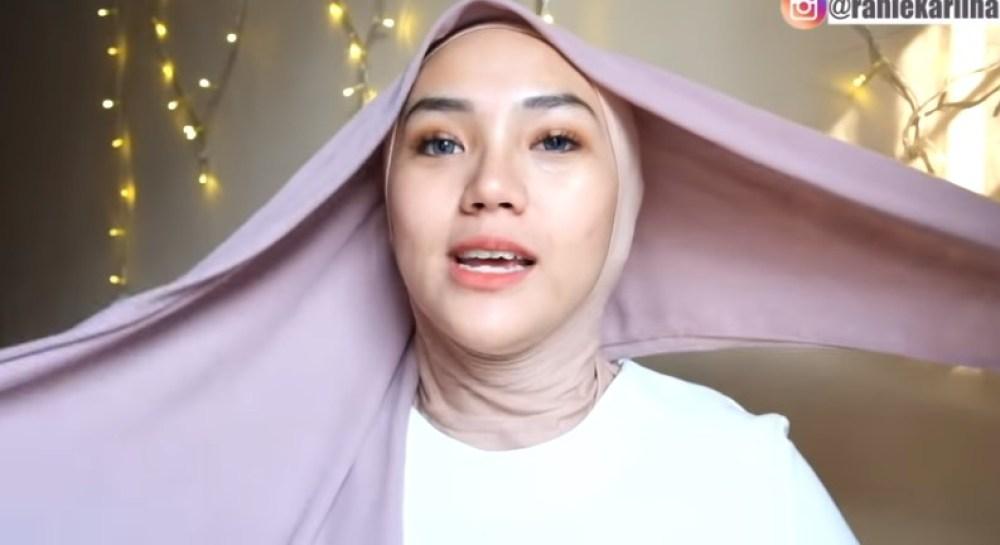 Cara Memakai Jilbab Segi Empat Modis, Sederhana dan Cantik, Gunakan Inner Hijab dan Pastikan Salah Satu Sisi Jilbab Segitiga Lebih Panjang dari Sisi Lainnya