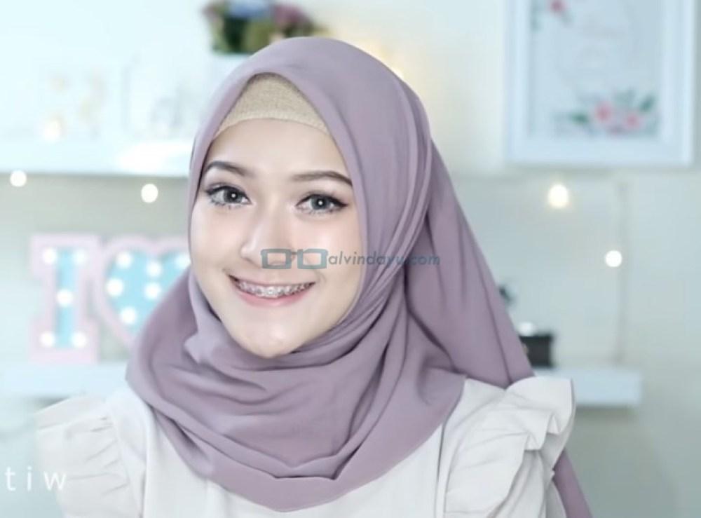 Tutorial Hijab Pashmina Pesta Kekinian SELESAI