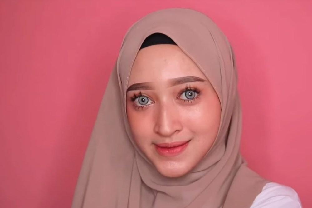 Tutorial Hijab Pashmina Wajah Bulat Simple dan Mudah SELESAI