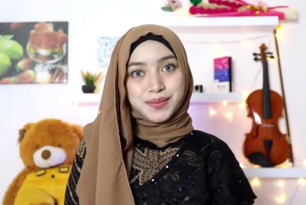 Tutorial Hijab Segi Empat Simple dan Modis Untuk Pesta SELESAI