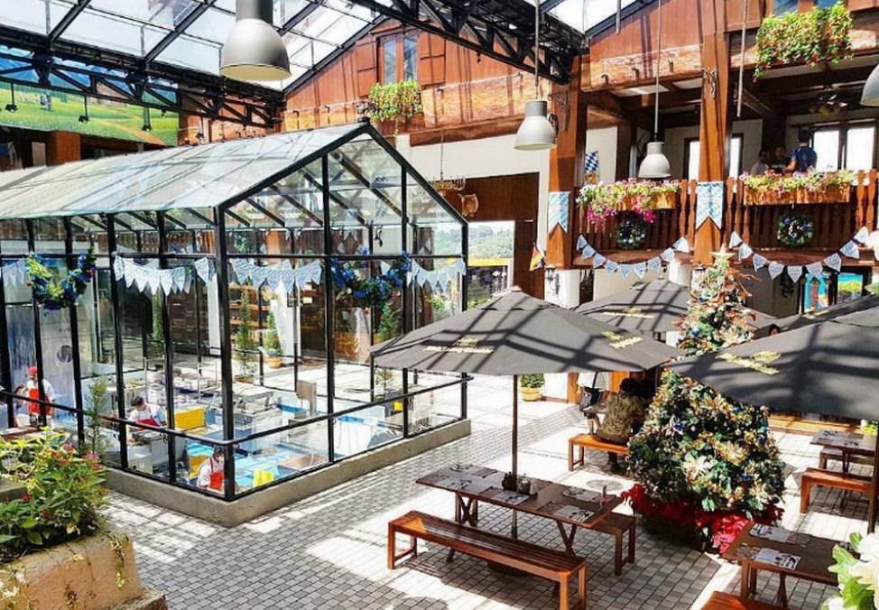 Eat Play Café Asik dan Murah di Bogor
