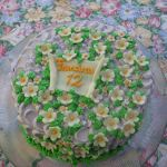 Cake anyone??? – A delicate flower cake
