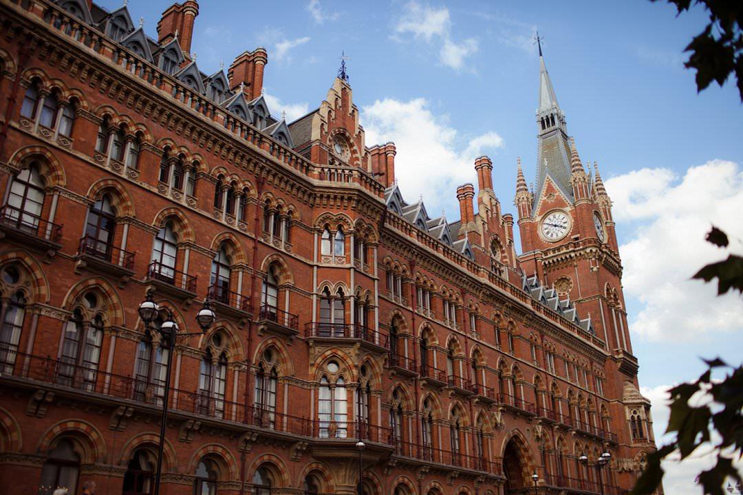 St PancraS Renaissance Hotel, Kings Cross London The Curries photography Always Andri Wedding Planner
