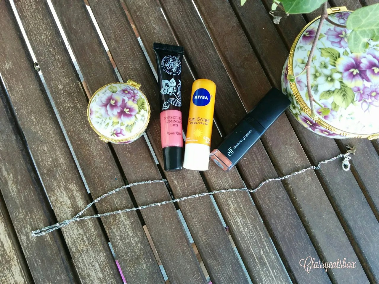 Camping Beauty Bag: Lips