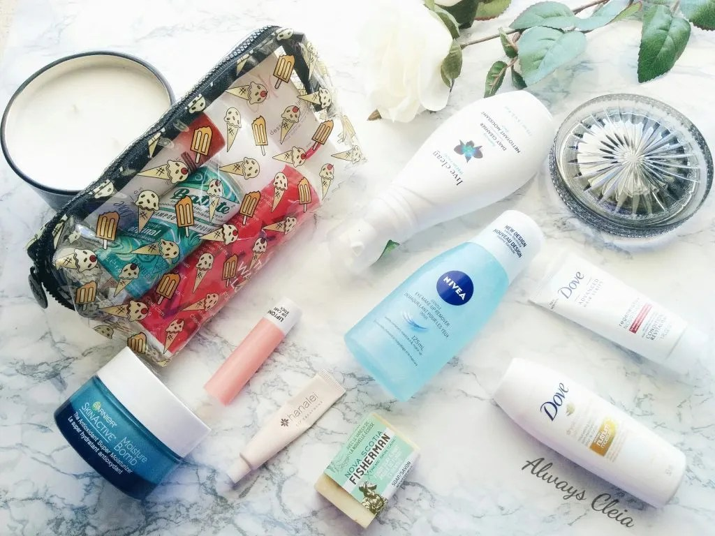 What's in My Bag: Travel Skincare + Hair Routine