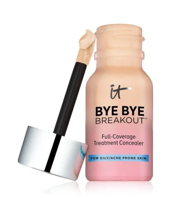 it Cosmetics Bye Bye Breakout Treatment Concealer
