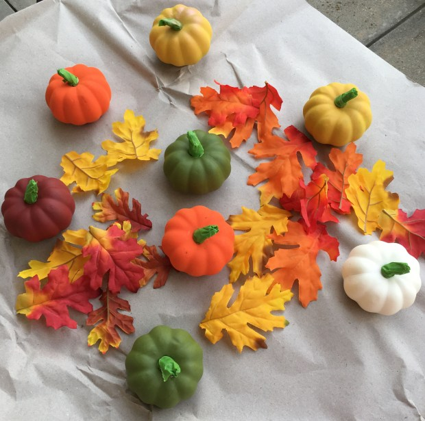Fall DIY Glitter Pumpkins 02