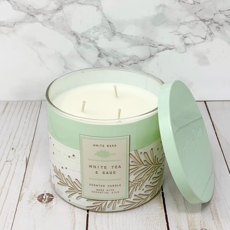 Best Bath And Body Works Holiday Candle - Classic Scent - White Tea and Sage - White Barn