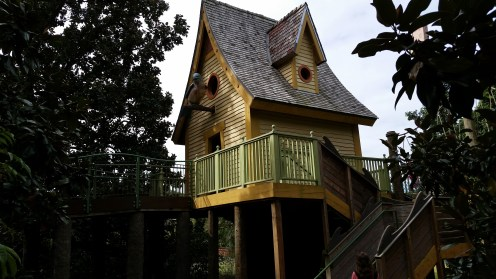 Playhouse near Memphis, TN