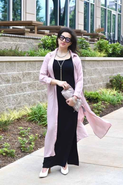 Black Old Navy dress with blush pink forever 21 duster with free people sunglasses