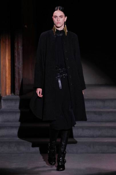 Tom Ford, 2016 Ready-to-Wear, Look 19. Vogue.com