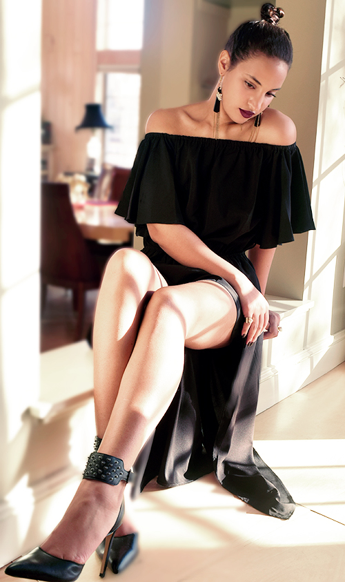 I'mari Avey INTJ Blogger, Photo Credit: Mechelle Aey. Introvert Love: Date Night Look 4. Alwaysuttori.com